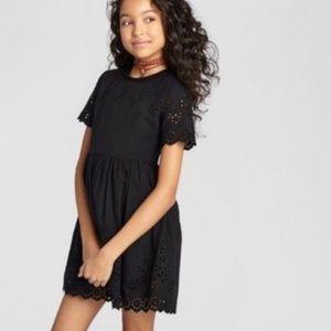 ART CLASS eyelet black short sleeve dress 🍵